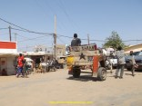 Arrivée au Sénégal, la foule est impressionnante, il y a beaucoup de passage à cette frontiere.