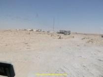 Nous y voila bientot, là au loin c'est la douane mauritanienne