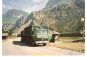 Le camion de mon enfance le R310 6X4 ampiroll de mon pere, ici photographié près de st jean de Maurienne