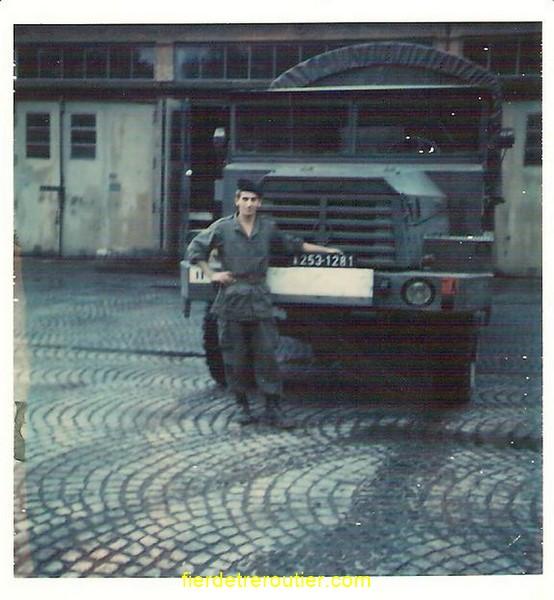 mon pere en 1973 a l'armée ( 11eme RA 1ere Batterie a Offenburg )