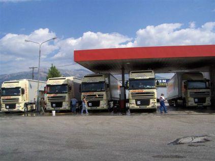 2006-Les CHEVRIER au plein de GO et lavage pare-brise PATRAS GRECE