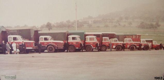 La même photo en couleurs. La flotte atteint 9 unités!!