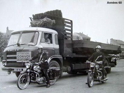 SAVIEM JL20 6 roues convoi exceptionnel années 60