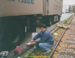 Alain Dejean de corvée de vaisselle au grosmarkt de Dusseldorf
