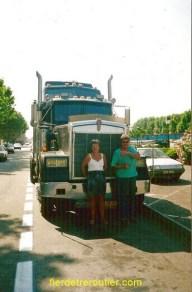 Le W900 de Momo. Ma mère et Robert, un grand routier. Tous mes hommages!