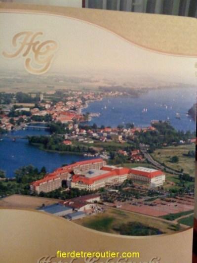 hotel en pologne (capacité 1000 personnes !!! dans 1 ville minuscule Mikolajki)