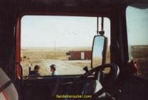 Passage de frontière Russo-Kazaque, le container sert de douane, 1 container à l'aller, 2 au retour?
