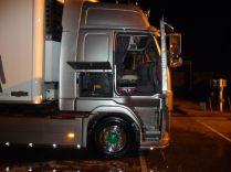 le camion étant monté en pneus intermédiaires, il faut constamment surveiller son porte à faux avant, car le spoiler est assez bas… C'est souvent la prise de tête chez les clients.
