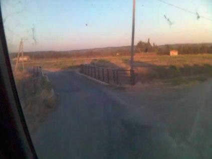 Après ce pont, je tourne a droite ça passe tranquille