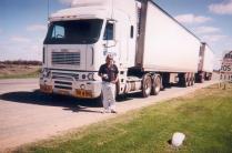 Mark Poole, chauffeur chez RT. Sympa, mais son camion est très inconfortable.