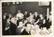 Saint ELOI en 1970 à HAZEBROUCK Pierre LEVOYE en haut à droite à gauche ma mère Paulette et ensuite les chauffeurs .