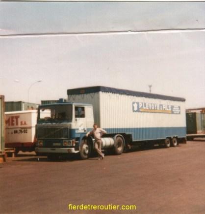 moi « le GAINS » au port de MARSEILLE avant l'embarquement pour CASABLANCA