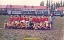PIERRE LEVOYE avec l'équipe de foot de VIEUX BERQUIN « sponsor »