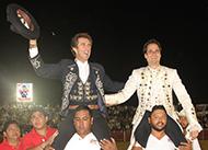 La salida en hombros, un muy digno colofón a una tarde Histórica en Tampico