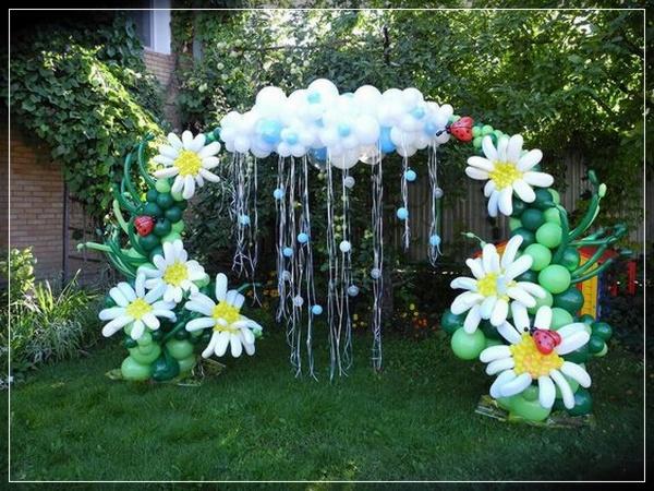 20 decoraciones de flores con globos super creativas for Como hacer adornos con plantas naturales