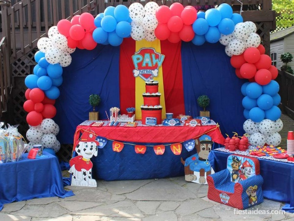 Fiesta de Paw Patrol con decoraciones