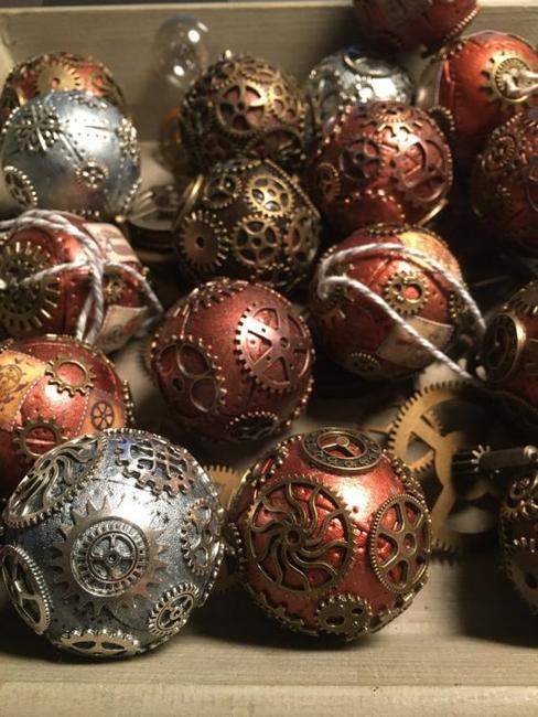 decoracion con bolas de navidad estilos steampunk