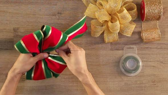 como hacer los lazos de navidad