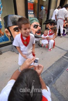 01-08-08-fiestas-de-estella-calle-mayor-comunicacion-y-publicidad (47)