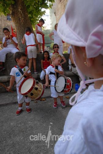 05-08-09-fiestas-de-estella-calle-mayor-comunicacion-y-publicidad (38)