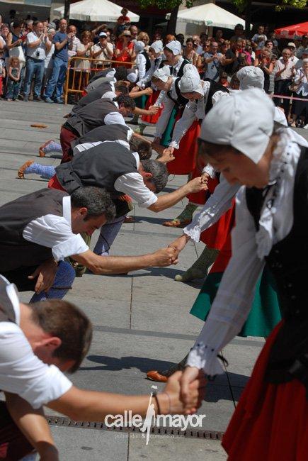 11-08-05 - fiestas de estella - calle mayor comunicación y publicidad (31)