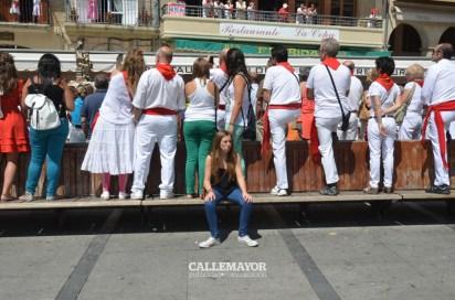 12-08-05 - fiestas de estella - calle mayor comunicacion y publicidad (43)