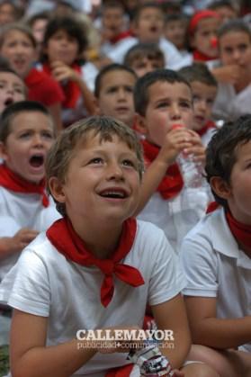 12-08-06 - fiestas de estella - calle mayor comunicacion y publicidad (18)