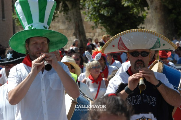 12-08-06 - fiestas de estella - calle mayor comunicacion y publicidad (3)