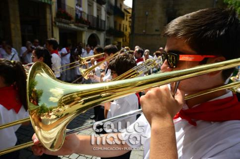 14-08-03-fiestas-de-estella-calle-mayor-comunicacion-y-publicidad-042