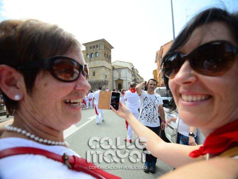 14-08-03-fiestas-de-estella-calle-mayor-comunicacion-y-publicidad-062