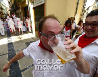 14-08-03-fiestas-de-estella-calle-mayor-comunicacion-y-publicidad-081