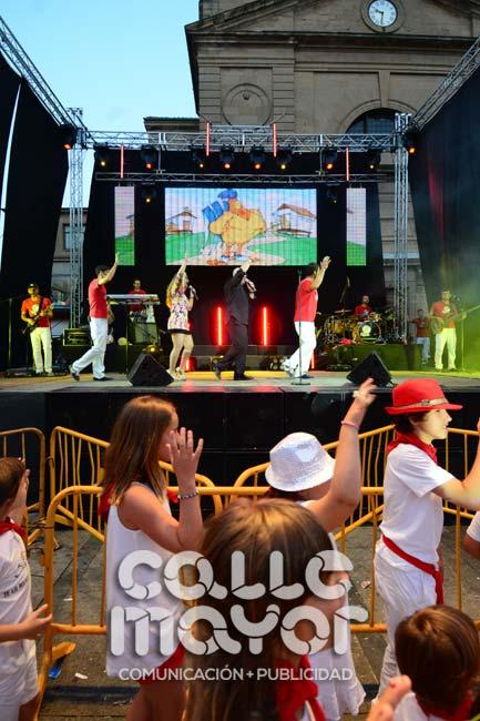 14-08-03-fiestas-de-estella-calle-mayor-comunicacion-y-publicidad-195