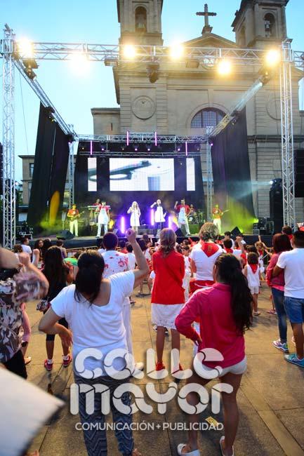 14-08-03-fiestas-de-estella-calle-mayor-comunicacion-y-publicidad-203