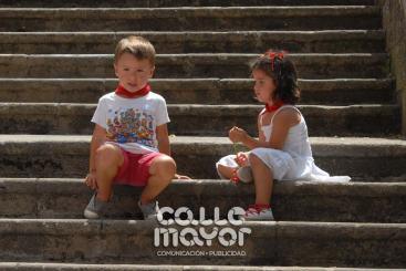 14-08-03-fiestas-de-estella-calle-mayor-comunicacion-y-publicidad-219