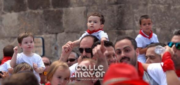 14-08-03-fiestas-de-estella-calle-mayor-comunicacion-y-publicidad-226