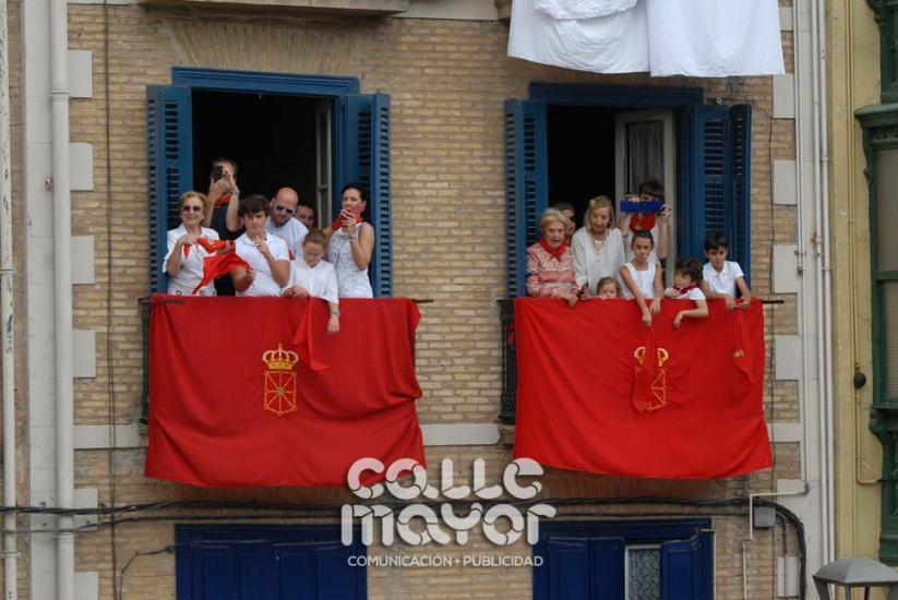 14-08-03-fiestas-de-estella-calle-mayor-comunicacion-y-publicidad-251