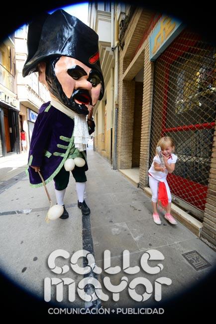 14-08-04-fiestas-de-estella-calle-mayor-comunicacion-y-publicidad-045