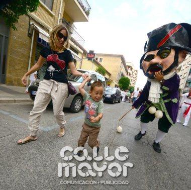 14-08-04-fiestas-de-estella-calle-mayor-comunicacion-y-publicidad-061