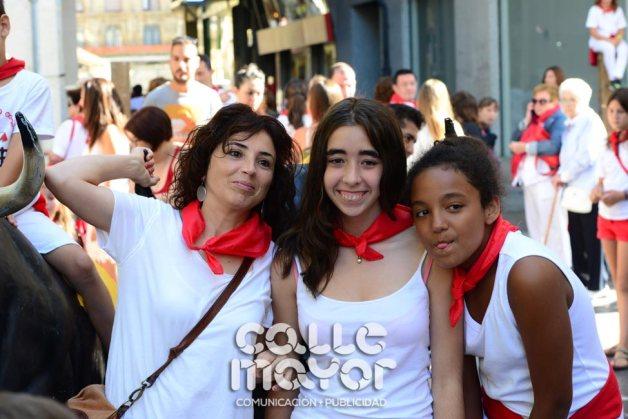 14-08-05-fiestas-de-estella-calle-mayor-comunicacion-y-publicidad-093