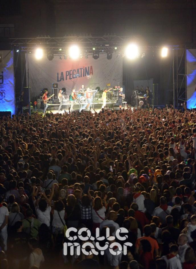 15-08-04-fiestas-de-estella-calle-mayor-comunicacion-y-publicidad-(145)