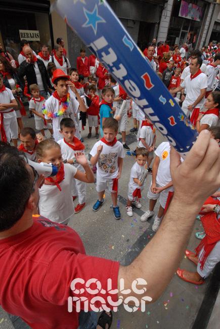 15-08-04-fiestas-de-estella-calle-mayor-comunicacion-y-publicidad-(24)