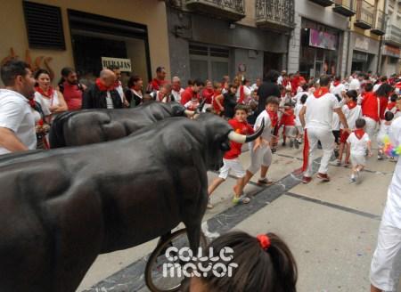 15-08-04-fiestas-de-estella-calle-mayor-comunicacion-y-publicidad-(25)