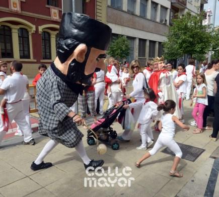 15-08-04-fiestas-de-estella-calle-mayor-comunicacion-y-publicidad-(68)