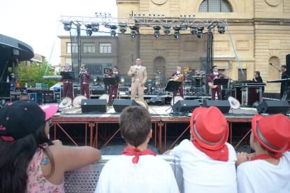 15-08-04-fiestas-de-estella-calle-mayor-comunicacion-y-publicidad-(96)