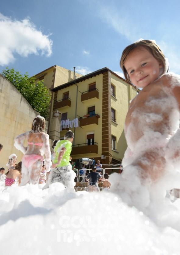 15-08-05-fiestas-de-estella-calle-mayor-comunicacion-y-publicidad- (61)