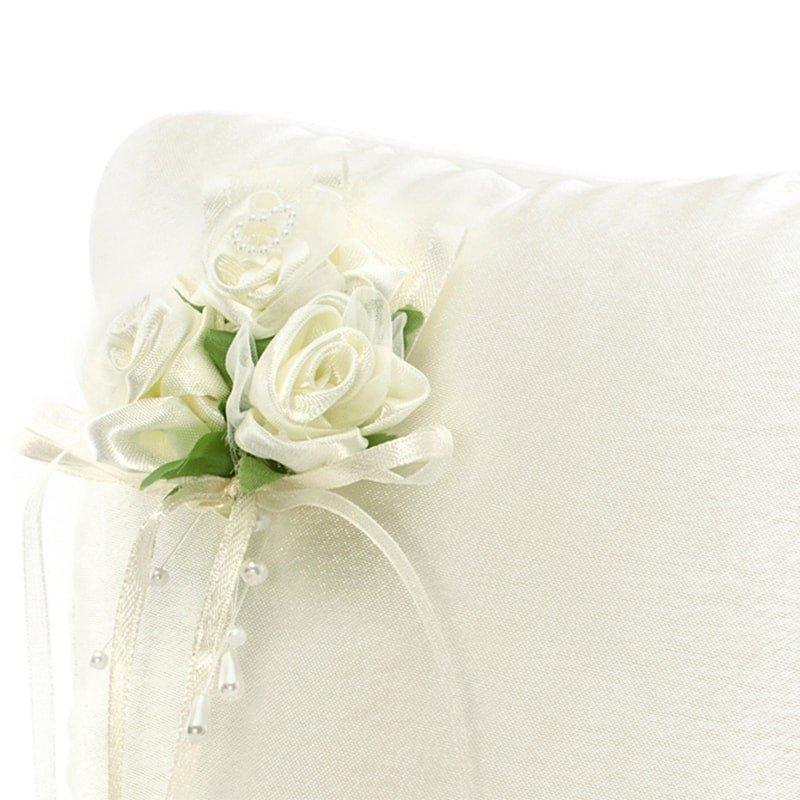 Cojn para Anillos Crema con Flores Blancas