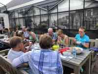 Met zo'n mooie historische Westlandse achtergrond bij Café De Jachthaven Kwintsheul, smaakt die courgettesoep natuurlijk nog lekkerder...