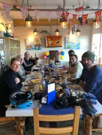 Even lunchen bij Het Blauwe Hek — bij Het Blauwe Hek.