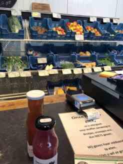 Ik nam wat fruitsapjes mee bij Stichting Zorgkwekerij Mil Maasdijk — bij Stichting Zorgkwekerij Mil Maasdijk.