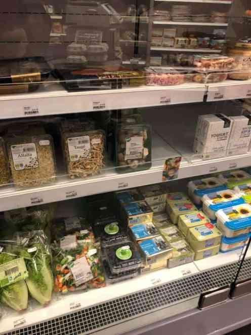 Kastanjechampignons voor de spruitjesstamppot mee bij de Biefit Gezondheidswinkel — bij Biefit Gezondheidswinkel.